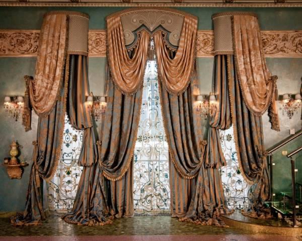 Важная деталь штор в стиле ренессанс – декоративные элементы