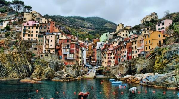 Красивейшие виды на побережье Италии, Пять земель