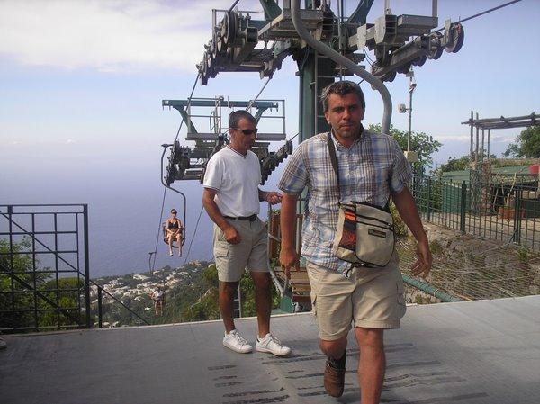 На Капри можно взобраться на самый верх и насладиться прекрасными пейзажами