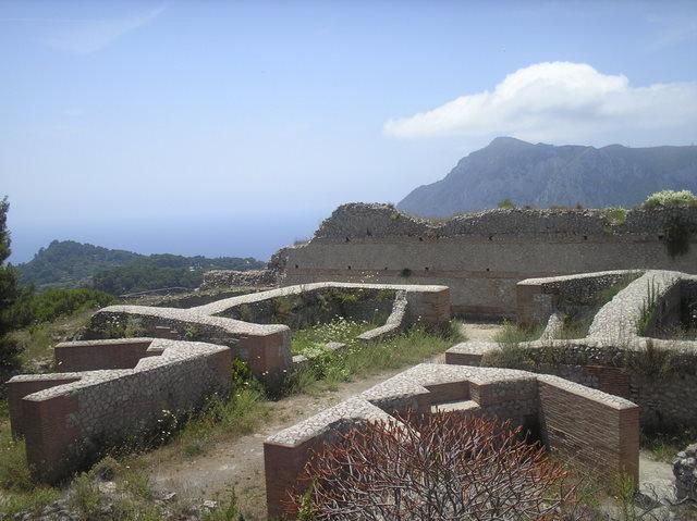 Удалось снять останки древнейшей виллы Тиберия