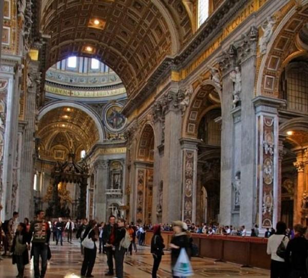 Посещение собора Святого Петра не оставит никого равнодушным